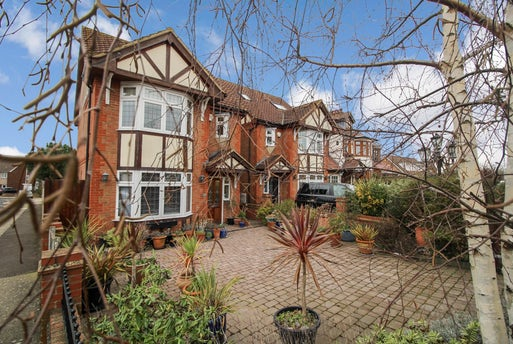 Hubbards Chase, Hornchurch, RM11