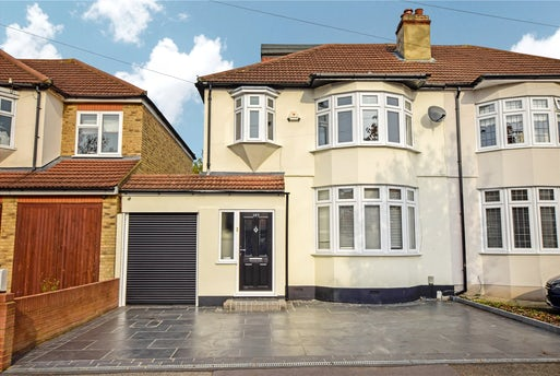 Hillcrest Road, Hornchurch, RM11
